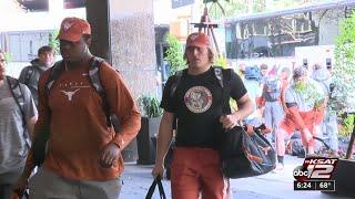 Longhorns arrive in San Antonio for Valero Alamo Bowl