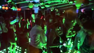 Bekijk video 2 van DJ White op YouTube