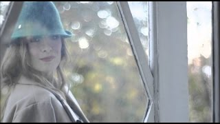 Karolina Goceva - Smej mi se smej (Official Lyrics Video)
