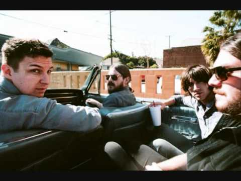 Arctic Monkeys - Don't Sit Down 'Cause I've Moved Your Chair