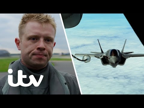 Refueling Fighter Jets Mid-Air Almost Ends in Disaster! | Fighter Pilot: The Real Top Gun