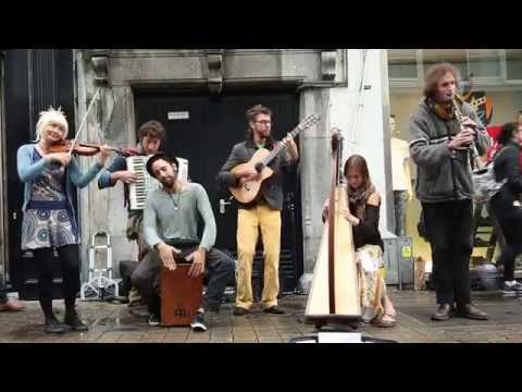 Game of Thrones cover by Galway buskers - The Harp The Accordion and The Ugly