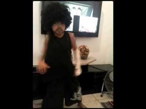 Baixar Yasmin dançando Anita não para