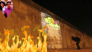 Thánh họa sĩ cầm cái lăn sơn lên tường nhanh như chớp