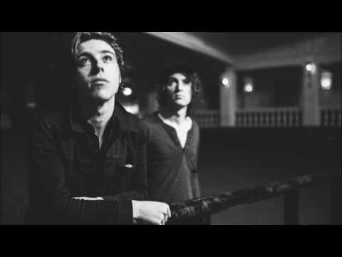 Catfish and the Bottlemen - Hourglass acoustic live (May, 2016)