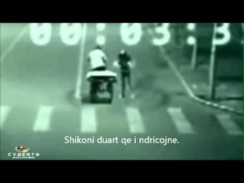 Teletransportim i kapur nga kamerat e rruges ne Kine (Teleportation in China)