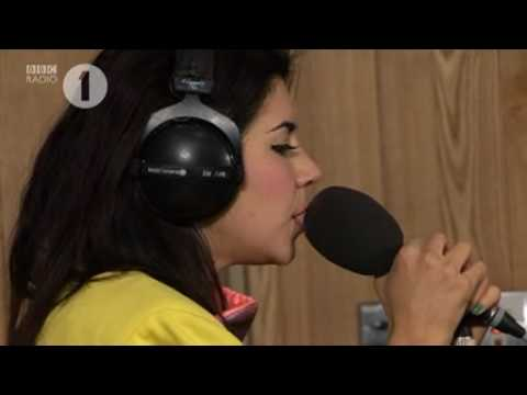 Marina & The Diamonds - I Am Not A Robot (Live)