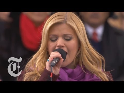 Baixar Kelly Clarkson Sings 'My Country 'Tis of Thee' at 2013 Obama Inauguration   The New York Times