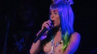 Miley Cyrus - Karen Don't Be Sad Live The Milky Milky Milk Tour Detroit
