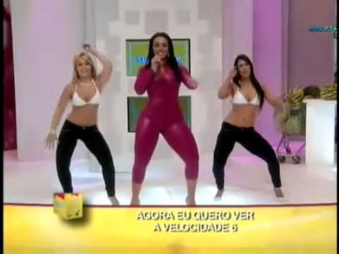 Sexy pevacica mesa guzom, Views: 11541, Comments: 43