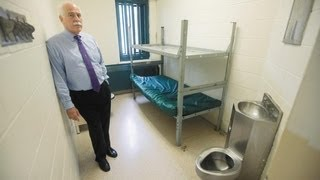 Aaron Hernandez's Life in Jail