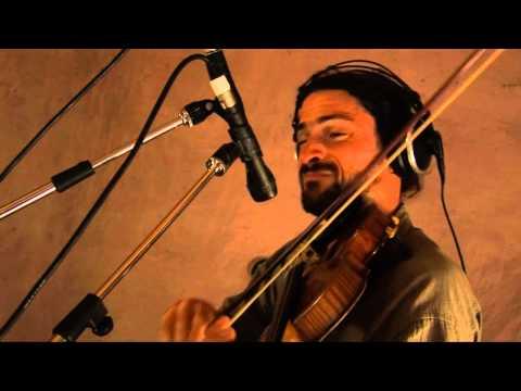Dos Santos & Tesouro. Chacarera del violín. Dos & Dos