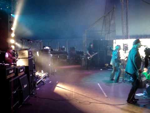Enuff Z'Nuff - Heaven or Hell @ Download 2010