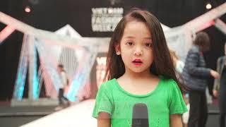 """""""CÔ BA SÀI GÒN"""" NGÔ THANH VÂN BẤT NGỜ XUẤT HIỆN TẠI HẬU TRƯỜNG  VIFW FW17"""