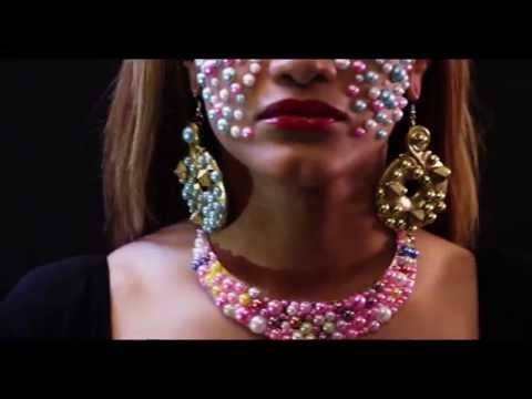 bi*jou*te*rie jewelry & trinkets