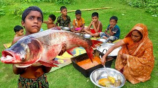 Giant Size Big Silver Carp Fish Curry Cooking For Kids By Their Granny - Village Kids Picnic Food