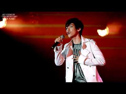 120712 Yeosu EXPO - What is Love Baekhyun fancam