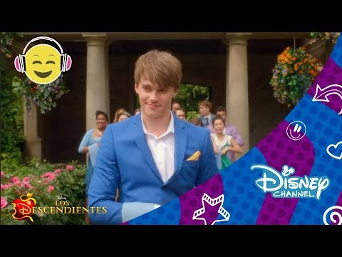 Los Descendientes : Videoclip - 'Be Our Guest' |  Disney Channel Oficial
