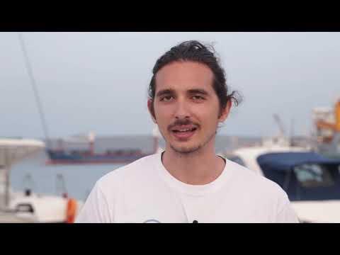 Εναλεία: Μια παρέα νέων με την βοήθεια των ψαράδων καθαρίζει τις θάλασσες από τα πλαστικά