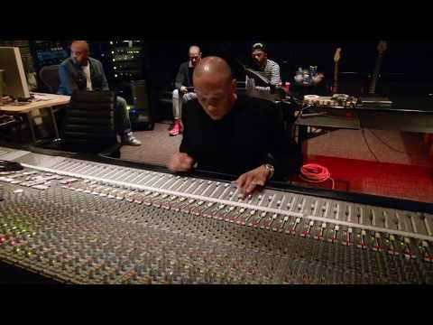 Dr. Dre mixing Marvin Gayes