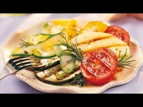 Gegrilde groentenmengeling met rozemarijn