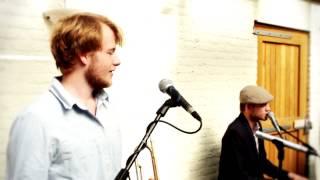 Bekijk video 3 van Mr J op YouTube
