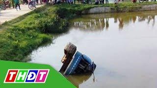 Máy xúc tuột khỏi xe tải đè chết 2 nữ sinh | THDT