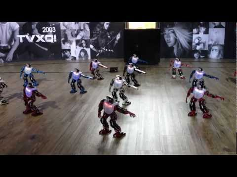 S.M.Art Exhibition Robot Dancing