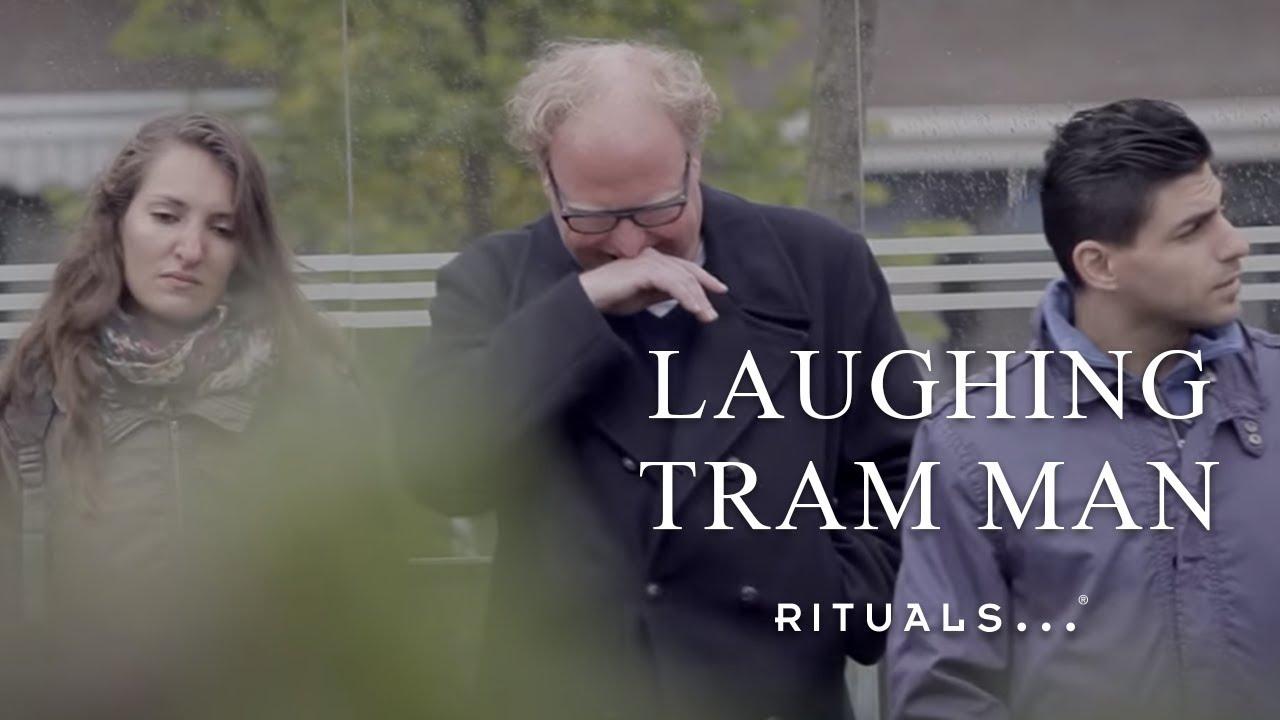 Publicité Laughing Buddha – l'arrêt de tram
