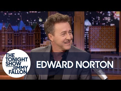 Edward Norton Really Hit Brad Pitt with That Awkward Punch in Fight Club