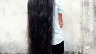 Cô gái có mái tóc dài hiếm có [Tóc dài đủ xài]
