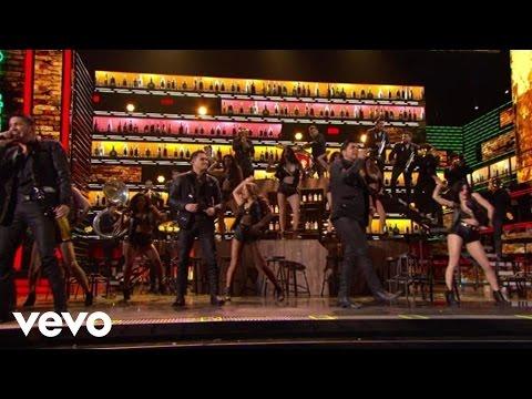 Banda Los Recoditos - Pistearé (En Vivo Desde Premios Lo Nuestro)