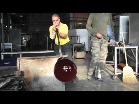 Video creazione opere in vetro su commissione lavorazione originale Murano