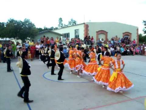Bailable EL REVOLCADERO en graduacion 2009 en Congregación Ortiz, Rosales, Chihuahua.Mex