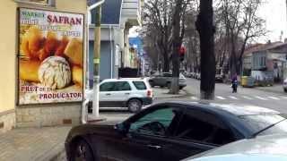 E imposibil de mers pe trotuar, str. Kogălniceanu