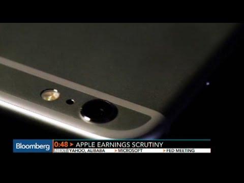 Apple Earnings Under Scrutiny
