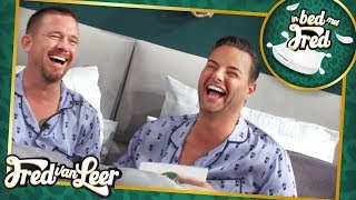 Johnny de Mol - In Bed Met Fred | FRED VAN LEER