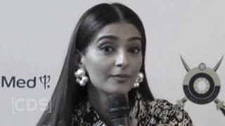 Ugliest Fights in Bollywood - Radhika Apte, Suny Leone, Amisha Patel