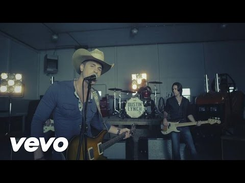 Dustin Lynch - She Cranks My Tractor - YouTube