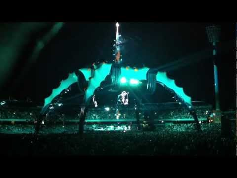 U2 Moment Of Surrender (360° Live From Perth) [Multicam 720p By Mek with U22's Audio]