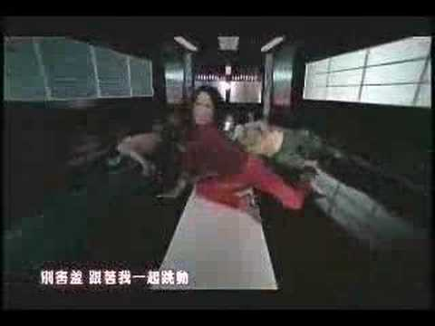 肌肉裸男火辣湿身献舞 温岚《热浪》MV
