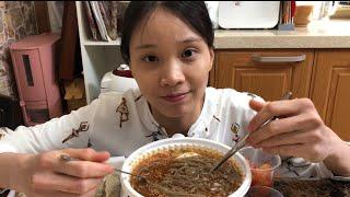 Cuộc sống Hàn Quốc:|Tập 100| Đi mua mỳ lạnh tam giác mạch Nhật bản về ăn.Cold soba noodles.냉소바 먹기.