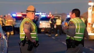 Arizona: Người lái xe qua đường hạ sát kẻ phục kích cảnh sát