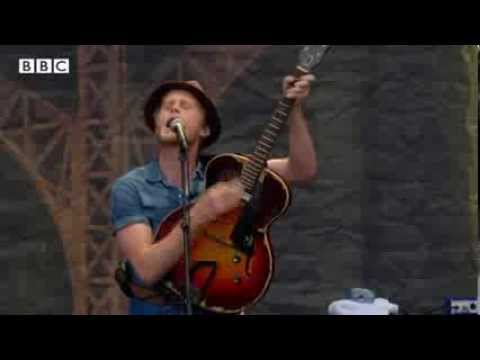 The Lumineers - Ho Hey At Reading Festival 2013 - Smashpipe Entertainment