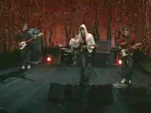 Arctic Monkeys - The View From The Afternoon (live)