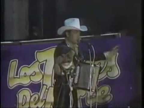 Los Tigres Del Norte - Tus Dos Vestidos En Vivo 1988.avi