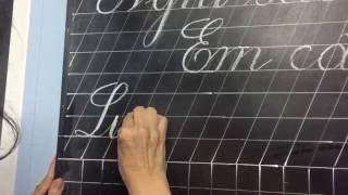 Luyện viết chữ đẹp trên bảng - cô giáo Thuỳ Dung