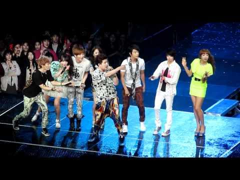 Super Junior - Oops (ft. F(x)) SM TOWN 2012 LIVE