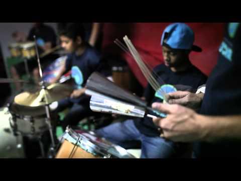 Tocar - Aulas de música para crianças e adolescentes carentes