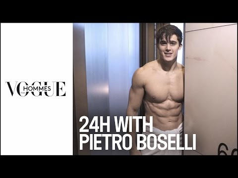 Pietro Boselli : 24 hours of Fashion Week with the sexiest teacher and model in the world